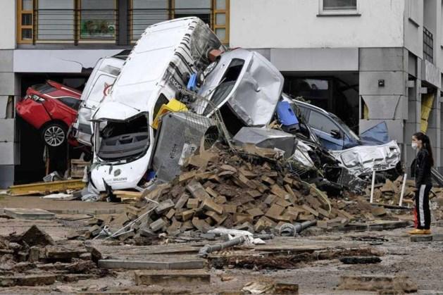 Herstel Duitse snelwegen na noodweer kan maanden duren