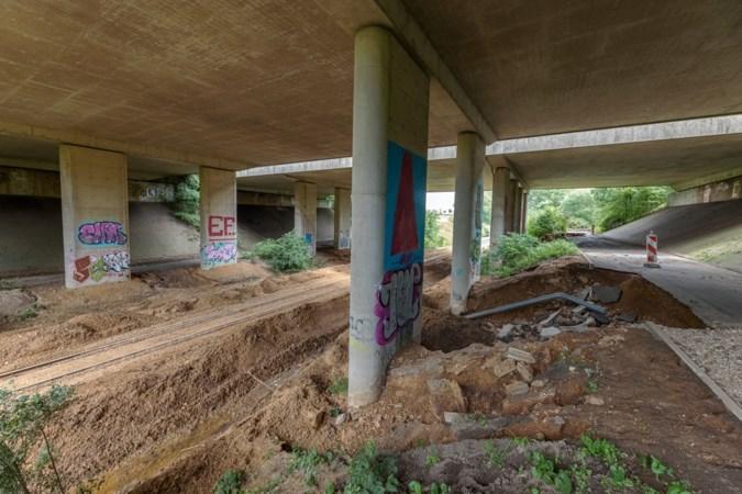 Halve meter modder op het spoor: ook schade aan Miljoenenlijn door extreme regenval