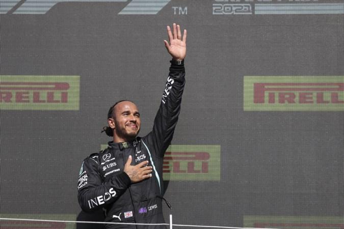 Britse media: Hamilton na zege racistisch beledigd op internet