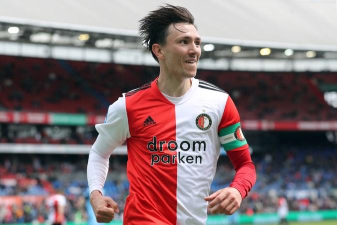 Feyenoord neemt afstand van 'walgelijk spandoek' met vermoorde Nederlanders waarop voor de naam van Berghuis nog een leeg hokje staat