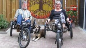 Ligfiets houdt ongeneeslijk zieke Maud uit Grashoek al tien jaar op de been
