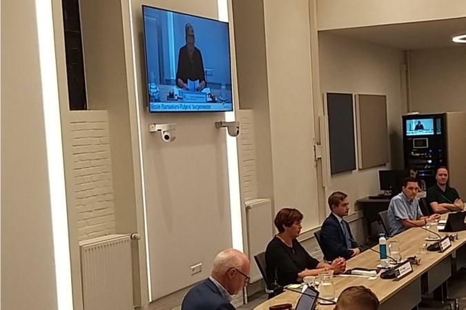 Burgemeester Ramaekers installeert nieuwe burgerfractieleden in Gulpen-Wittem