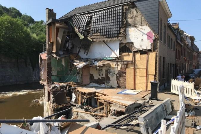Verviers lijkt wel oorlogsgebied: op dag van nationale rouw keihard werken om ravage op te ruimen