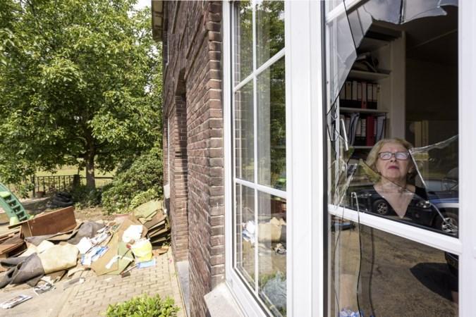 Dieven stalen voor tienduizenden euro's aan sieraden van Annie terwijl de boerderij van haar geëvacueerde zoon Ruud vol water stond