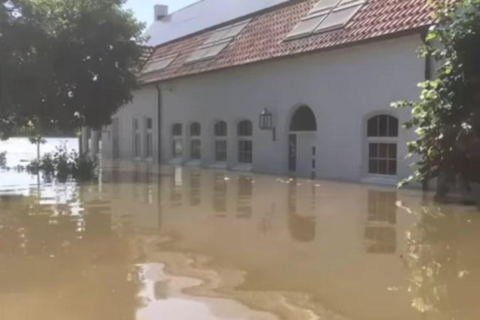 Terwijl Guus nog niet naar huis mocht vanwege het hoogwater, wisten inbrekers zijn woning in Horn wel te vinden