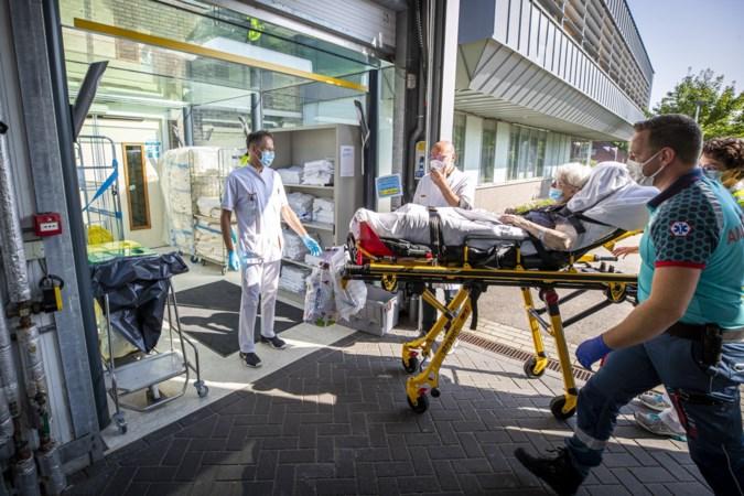 VieCuri in Venlo verwelkomt de eerste patiënten die vrijdag geëvacueerd moesten worden vanwege het hoogwater