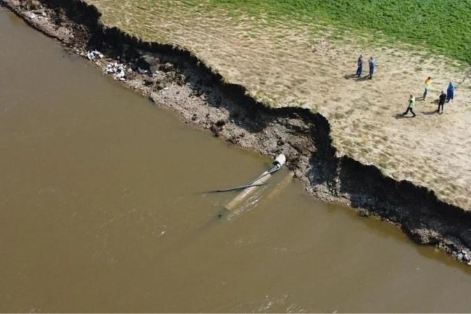 Vrijgevallen naftaleiding bij Urmond veiliggesteld