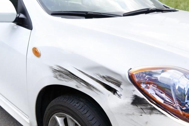Kritiek Consumentenbond op autoverzekering: minder schade, toch hogere premies