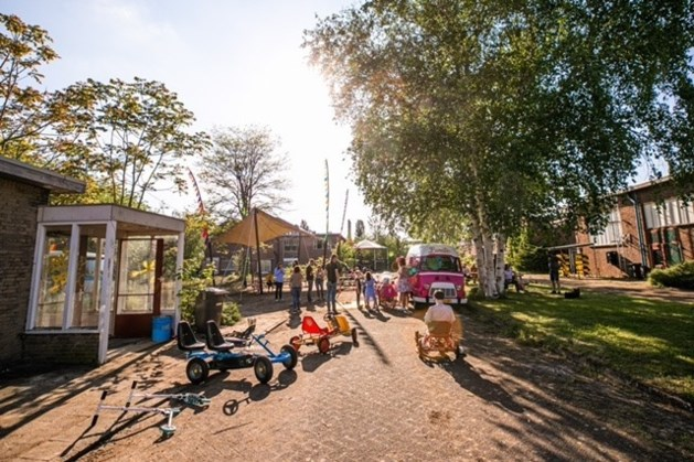 Kleine markt bij Weerstand Roermond