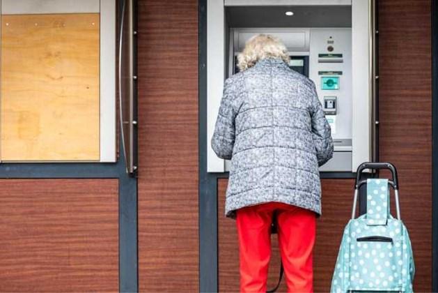 Sluiting bankkantoren brengt ouderen en gehandicapten in de knel