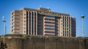 Maastrichtse daklozen blijven voorlopig in voormalige gevangenis Overmaze