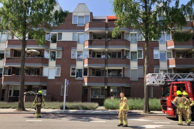 Driesveldlaan in Weert is afgesloten vanwege brand in flat