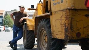 Peter ruimde non-stop puin in Valkenburg: 'Met de shovel heb ik de hele wijk leeggereden'