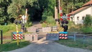 Spoorwegovergang in Horst aan de Maas dicht voor auto's