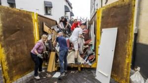 Puincontainer Berkelplein Valkenburg trekt 'dumphufters'