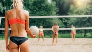 Gratis beachvolleyballen in Oost-Maarland