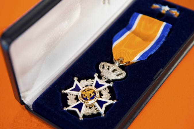 Koninklijke onderscheiding voor John Monsewije