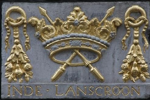 'Kiek ins nao bove': nieuwe website met vijf wandelroutes langs Maastrichtse gevelstenen