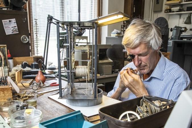Een uurwerkhersteller moet niet op de klok letten, zegt ambachtsman Tom (65)