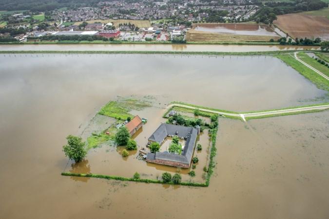 Maaswater stond meter hoog in Kasteelhoeve Hartelstein: 'Ze zijn ons gewoon vergeten'