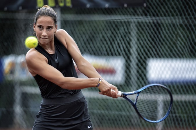 Stoïcijns zoekt dochter van Mark van Bommel haar eigen weg naar de top: 'Vorig jaar vloog ik er op toernooien in de kwalificaties uit. Nu speel ik finales'