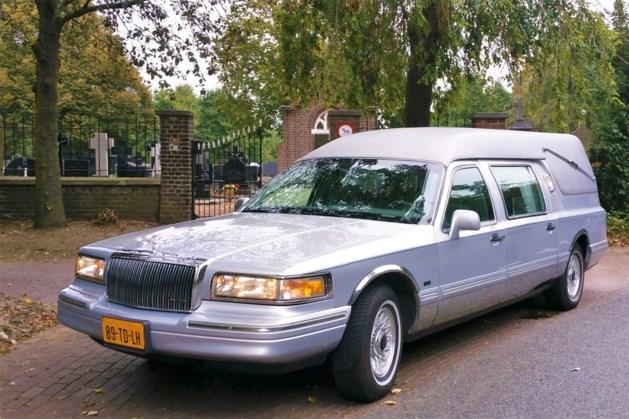 DELA mag Yarden overnemen, moet onder andere crematoria in Heerlen en Blerick afstoten