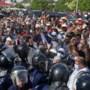 Rellen in Tunis na opschorten van het parlement en ontslaan van de premier na landelijke protesten om corona-aanpak