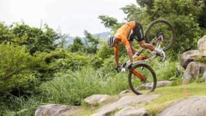 Deceptie van der Poel bij het mountainbiken, Vader tiende