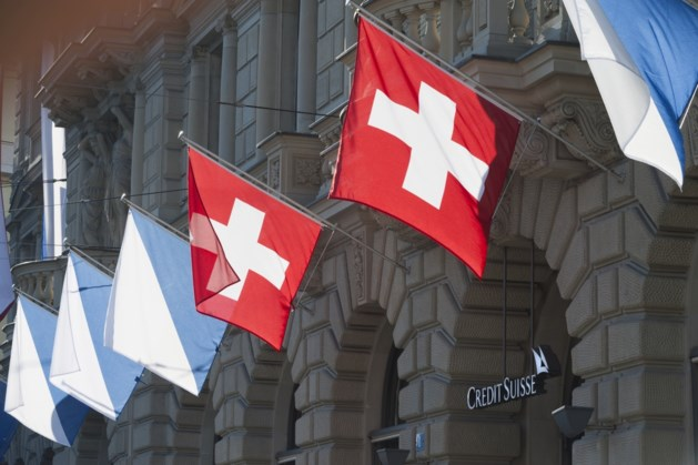Zwitserse bank Credit Suisse schikt in spionagezaak