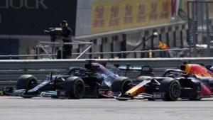 Red Bull eist herziening van incident tussen Max Verstappen en Lewis Hamilton