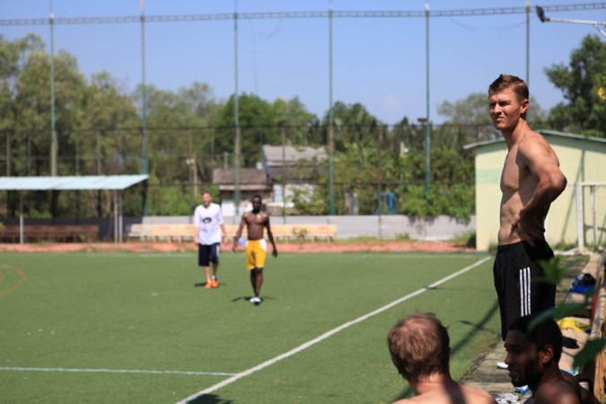Zwentibold-trainer Lars Peeters staat voor grote uitdaging: 'Mooi dat een voetbaldier als Frank me hier ondersteunt'