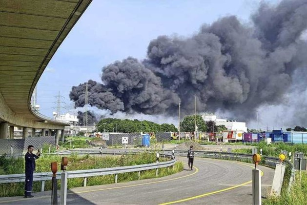 Zware explosie in Duitse stad Leverkusen: dode, zestien gewonden, vier vermisten