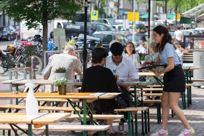 Uitzendtopman: 'Horeca kan tekort aan personeel oplossen met ouderen'