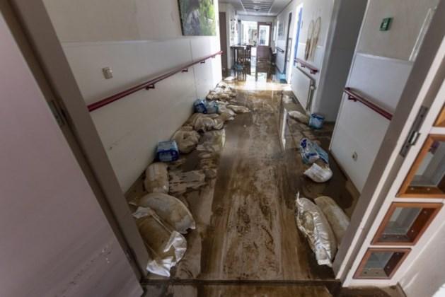 Grote toestroom aan goederen voor getroffenen wateroverlast in Valkenburg, inwoners gevraagd te helpen met opruimen woningen