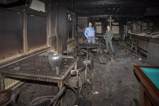 Een brand verwoestte het eetcafé van Roel en Lean in Geijsteren, door de hartverwarmende reacties gaan ze toch door