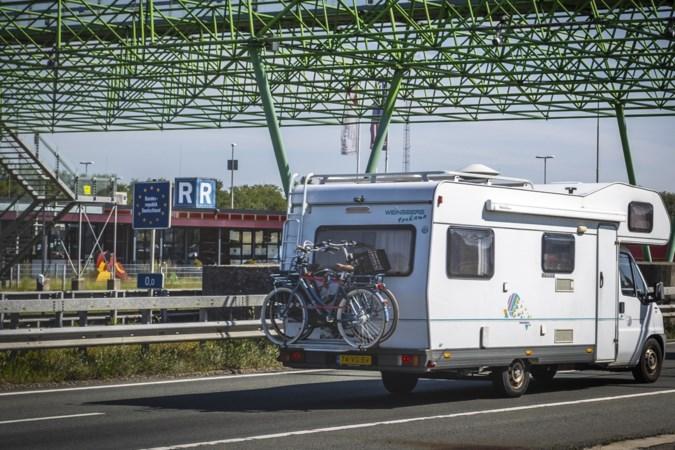 En weer voelen de Duitsers zich genoodzaakt grensbarrières met Nederland op te werpen