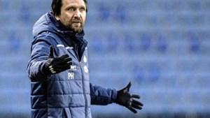 Spelersgroep Esbjerg eist ontslag van 'tepeldraaiende' trainer <B></B>