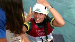 Olympisch kampioene voert noodreparatie uit met condoom
