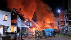 Video: Zeer grote brand in Valkenburg: pand wordt zondag nog gesloopt