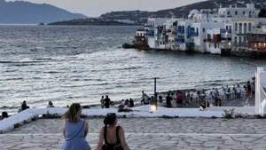 Grieken grijpen in door vierde coronagolf: zelfs muziek wordt verboden op 'het eiland waar alles kan'