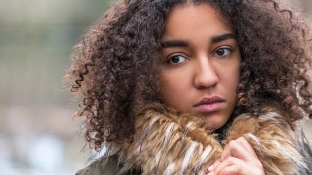 Is je puber somber, prikkelbaar of lusteloos? Raadpleeg dan het wekelijks chatspreekuur voor ouders