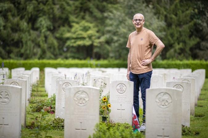 Theo uit Venray en Judith uit Baexem ontfermden zich over graven van gesneuvelde soldaten