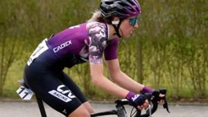 Meijelse Sabrina Stultiens verlengt contract bij Liv Racing met één jaar