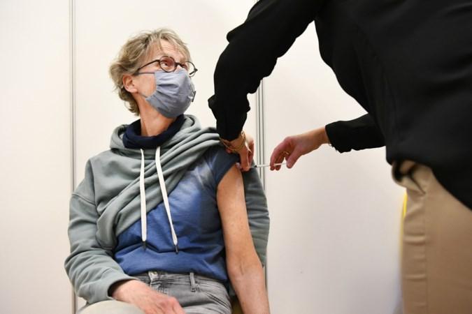 Specialist gezondheidsrecht: wees terughoudend met boostervaccin