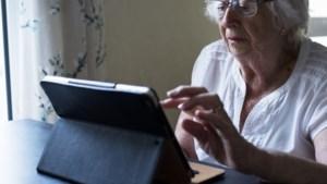 PopUp-bieb en Digicafé bij Seniorenproject Wijlre