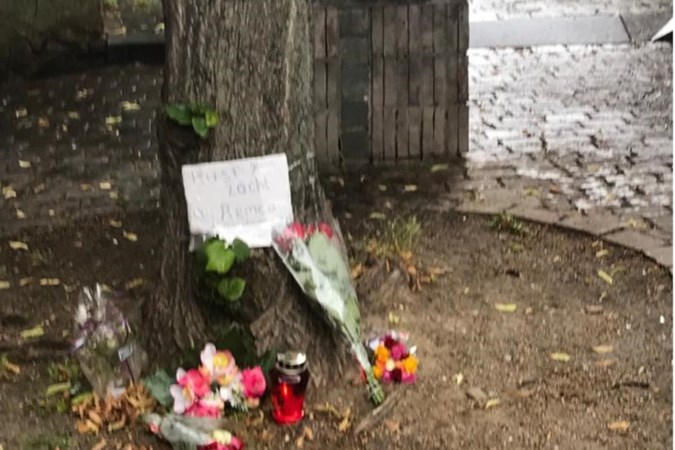Fans brengen eerbetoon aan overleden straatmuzikant uit Sittard