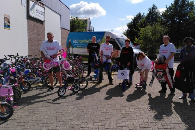 Isa (2) en tientallen andere kinderen getroffen gezinnen kregen fiets van Jan en Lida uit Zwaag