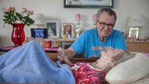 Nachtelijke ondersteuning in de mantelzorg voor zijn Elly geeft Heerlense Martin wat lucht