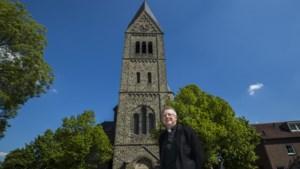 Dorpskerk loopt leeg in Heuvelland, maar kosten verwarming gaan ook bij vier parochianen door