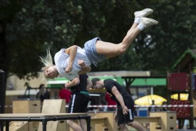 Urbanfestival voor kinderen van start in Venlo: 'Ook als je niet op vakantie kunt, mag je vakantie leuk zijn'